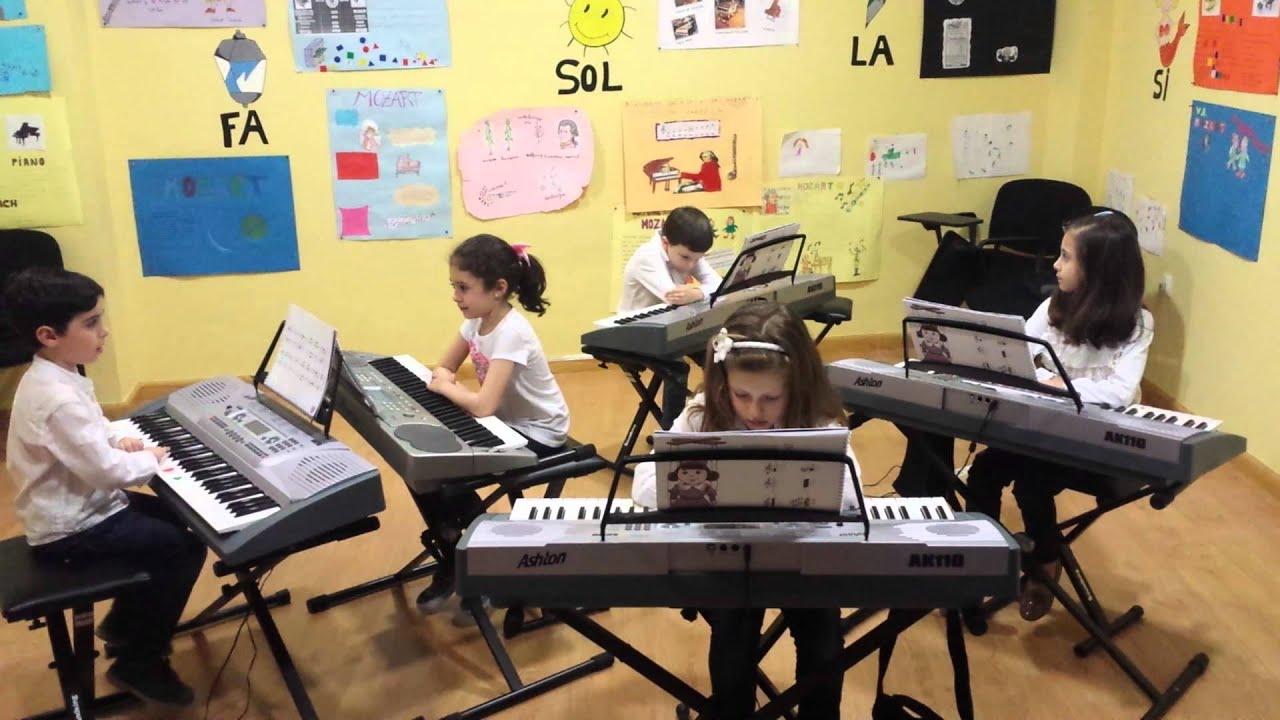 La marioneta vieja - Grupo de alumnos de Mi Teclado 2 - Sinfonía Musical