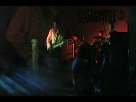 "Squagmyre ""The soothing sounds of sirens"" (live)"