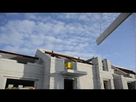Montaż płyt dachowych YTONG na budowie w Parnówku k. Koszalina - zdjęcie
