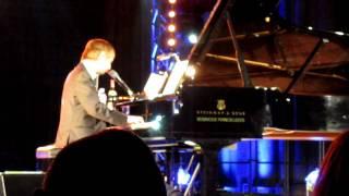 Neil Hannon/Divine Comedy - Sunrise (live)