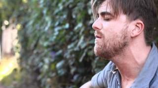 "RAGGED Exclusive: Anthony Green Performs ""Moon Song"""