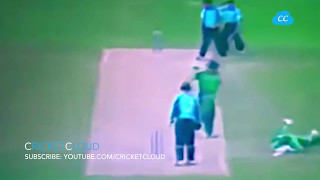 This has to be the BEST FUNNIEST RUNOUT in the Cricket History !!