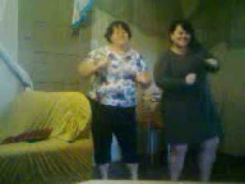Dona Ana e Lili dançando tchu tcha tcha em tapejara-rs....kkkk