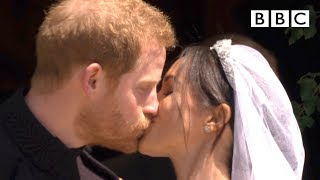 First kiss, epic carriage ride! | Prince Harry and Meghan Markle - The Royal Wedding - BBC | Kholo.pk
