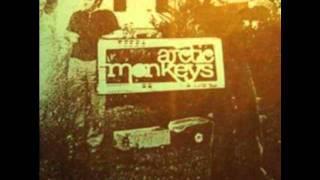 Wavin' ByeTto The Train Or Bus - Arctic Monkeys