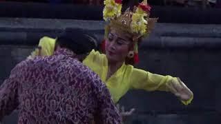 FESTIVAL JOGED BUMBUNG 2017 PENARI LINCAH