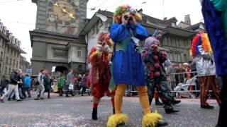スイス発 ベルンのファスナハトパレード・バーゼルバンド 6 【スイス情報.com】