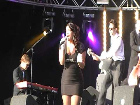 Caro Emerald - Dr. Wanna Do (live @ Beatstad Festival 28 aug 2010)