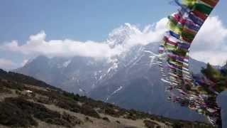 preview picture of video 'Trek al Campo Base del Everest. Aclimatación en Namche Bazaar'
