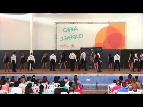 Al Son de la Clave clausura su curso con un colorido espectáculo de baile