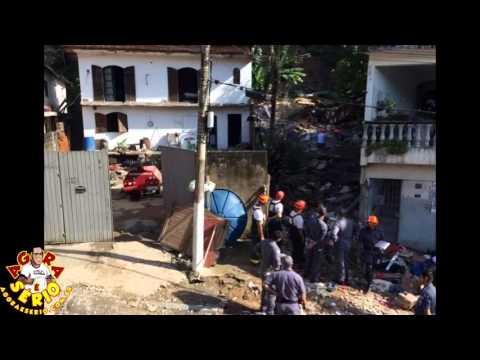 Deslizamento mata quatro pessoas e deixa outras feridas em Itapecerica
