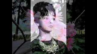 Margareta Paslaru _ Intr-o floare