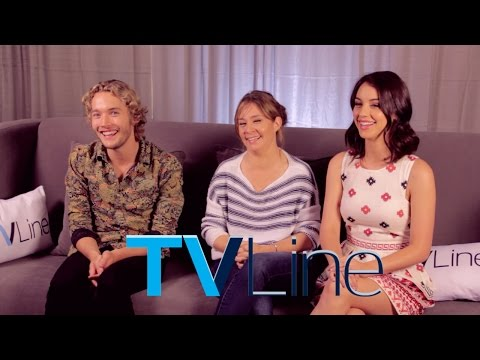 "Download ""Reign"" Cast Interview At Comic-Con 2014 - TVLine HD Mp4 3GP Video and MP3"