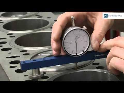 Messung des Kolbenüberstands - Motorservice Group