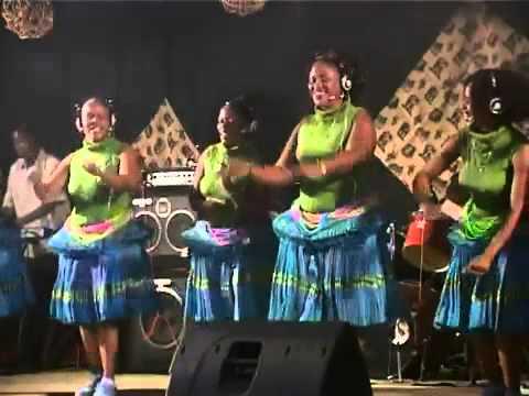 Mp3 Download Xinyori Sisters — BEE MP3