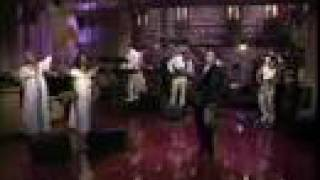 Annie Lennox WALKING ON BROKEN GLASS (TV Performance)