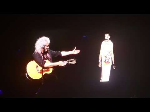 Queen- Brian May With Freddie Mercury Video-  Love Of My Life - LIVE Birmingham