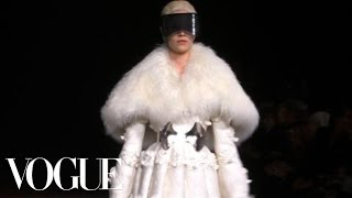 Fashion Show - Alexander McQueen: Fall 2012 Ready-to-Wear