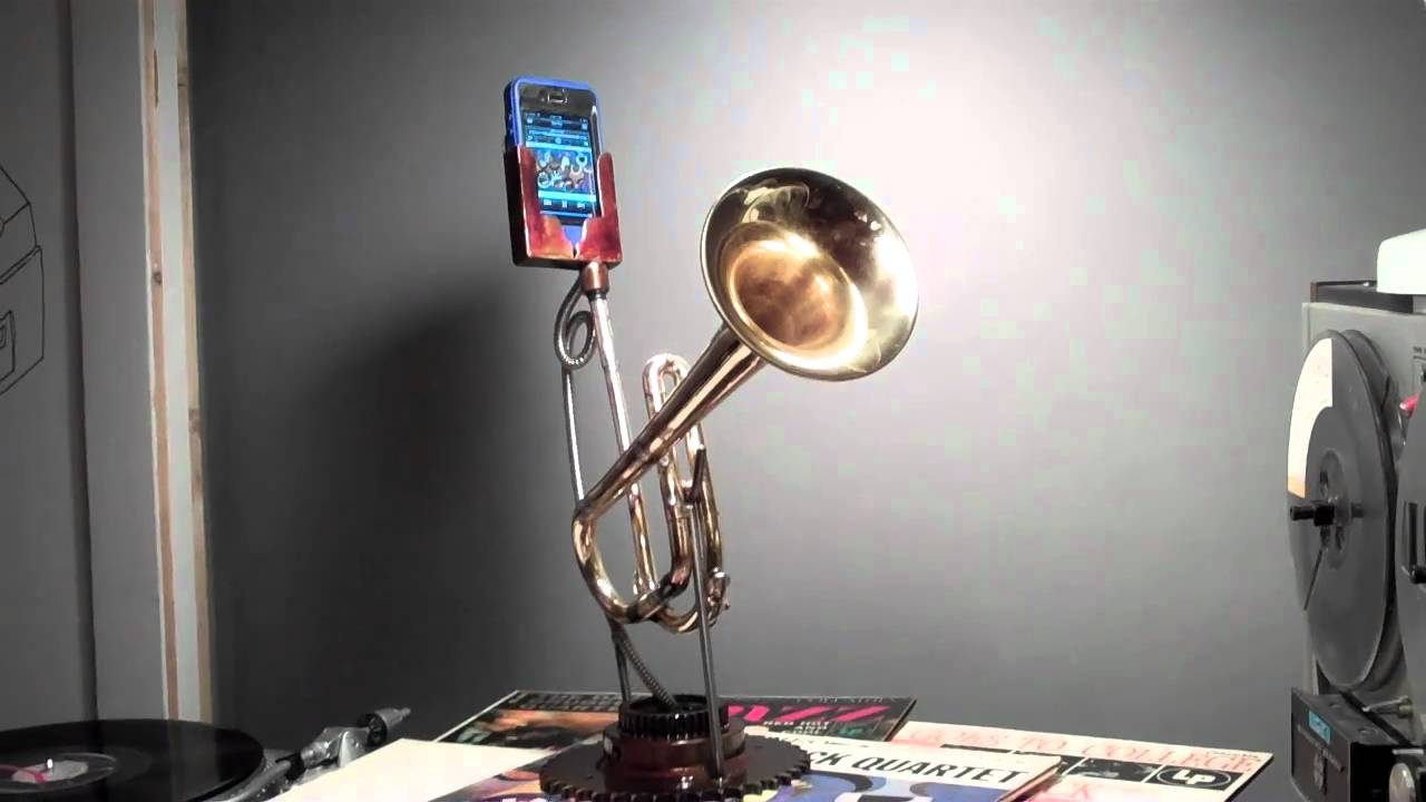 This Guy Built A Mobile Phone Amplifier Out Of A Broken Trumpet