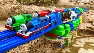 きかんしゃトーマスプラレール 橋や線路をブロックで作る!Thomas&friend