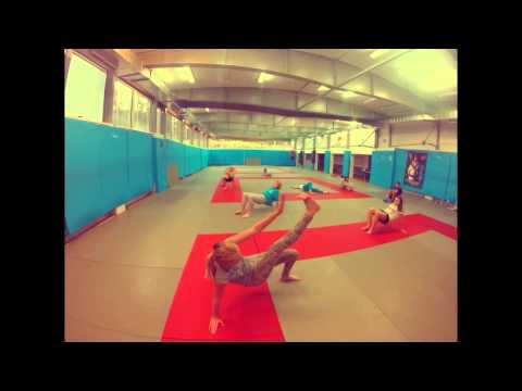 Zestaw ćwiczeń pompowania mięśnie ramion