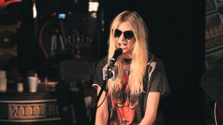 The Pretty Reckless и Тейлор Момсен, The Pretty Reckless - Make Me Wanna Die & Going to Hell (acoustic, w/ interview)(1080p)