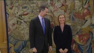 preview picture of video 'S.M. el Rey recibió en audiencia a Federica Mogherini'