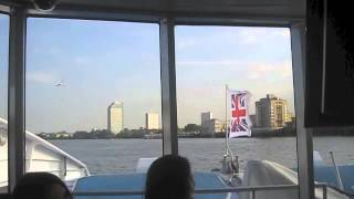 preview picture of video 'Canary Wharf to Greenland Pier by Thames Clipper - Crossing the Thames No 7'