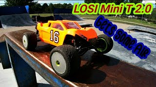 Losi Mini T 2.0 takes on the skatepark- Bashing and FPV