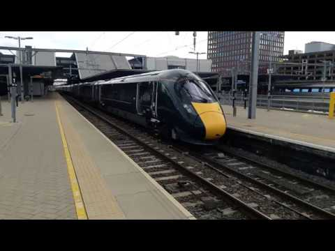 GWR IEP 800005 & 800006 depart Reading 20th October 2017