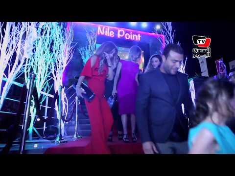 لحظة دخول نجوم الغناء العربى فى احتفالية روتانا كافيه