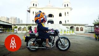 Baba Singh and His 200-Pound Turban