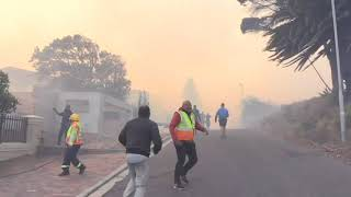Fire in foothills of Cape Town's Table Mountain | AFP