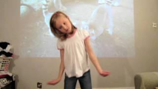 Rhianna dancing to Glad You Came by The Wanted