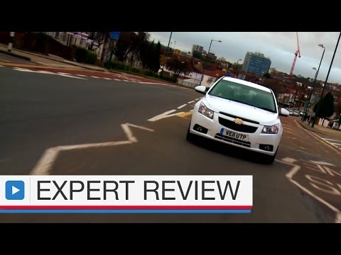 Chevrolet Cruze hatchback expert car review