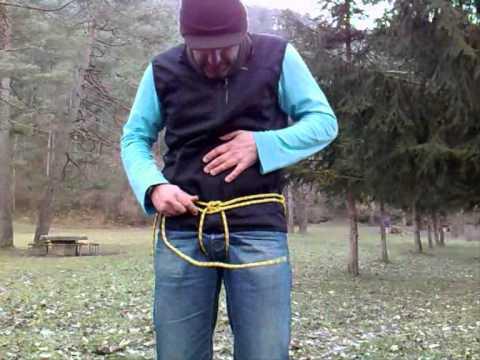 Supervivencia / bushcraft. Arnés con cuerda de escalada.wmv