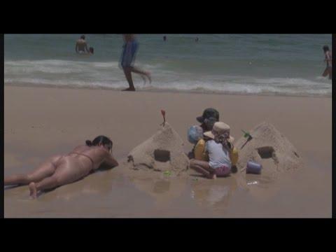 Con playas llenas y un sol abrumador Río de Janeiro espera a turistas en el verano