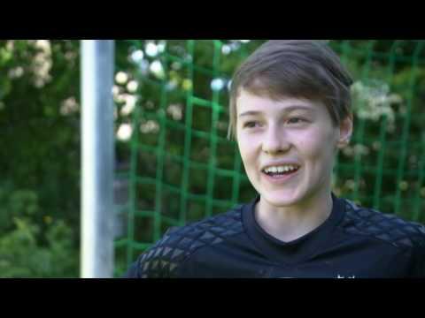 BR-Abendschau - Mit seiner Torwand trainiert auch Manuel Neuer [AUSZUG] HD 1080p