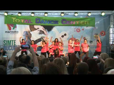 Kids - Streetdance - Christmas Show 2015 | Total Dance Center
