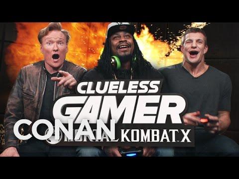 Conan hraje hru Mortal Kombat X