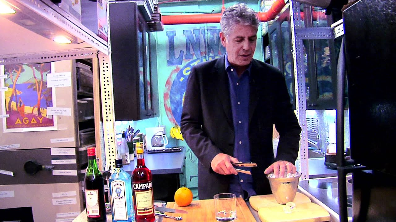 Late Night Eats: How To Make A Negroni With Anthony Bourdain (Late Night with Jimmy Fallon) thumbnail