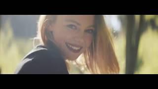 Video Nouzovej východ - Otevřeným oknem feat Majda Moudrá (OFFICIAL VI