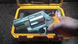 Bear Survival Kit: S&W 460ES Emergency Tool Kit (closer look)
