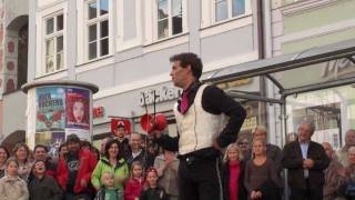 preview picture of video 'Javi Javichi - Stadtspektakel 2010 Landshut'