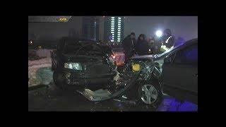 У  Києві лоб у лоб зіштовхнулися два автомобілі Skoda та Chevrolet