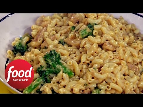 Rachael's Mac and Cheddar Cheese with Chicken and Broccoli | Food Network