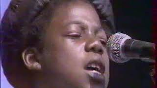 Gambar cover Splashin' The Palace '84 Live   Musical Youth - Pass the dutchie