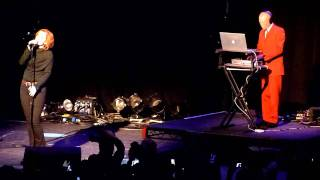 YAZOO - Ode To Boy (Live at the Short Circuit Festival, London, May 14, 2011)