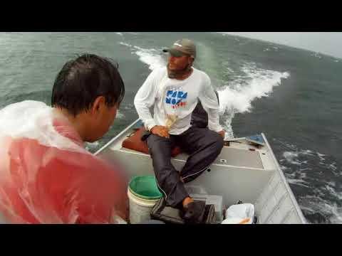 Pescadores de Alto Mar passa um cagaço e muito medo com a Tempestade que tomou conta do mar
