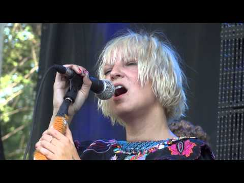 Sia I'm In Here Live Montreal Osheaga 2011 HD 1080P Mp3